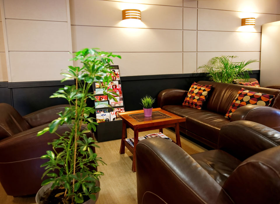 hotel-kyriad-rouen-centre-ville-chambre-confort-restaurant-salon-seminaire-13-hall-960x700