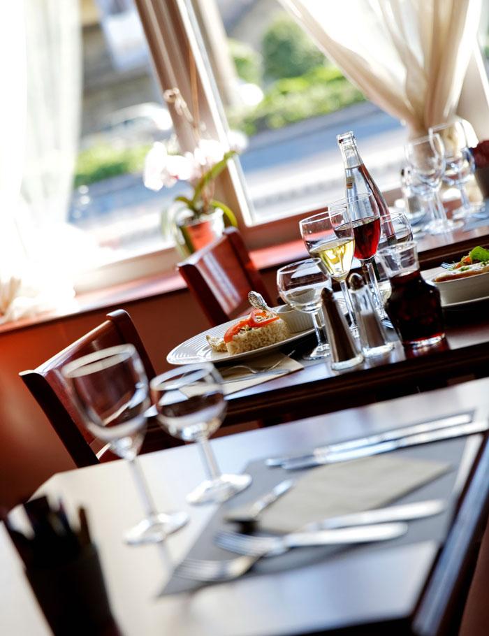 hotel-kyriad-rouen-centre-ville-chambre-confort-restaurant-salon-seminaire-2-restaurant-700x910