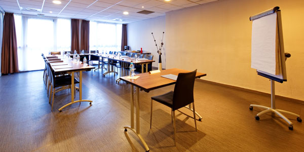 hotel-kyriad-rouen-centre-ville-chambre-confort-restaurant-salon-seminaire-31-seminaire-rect1-600x300
